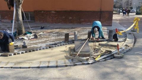 Ibolya utcai Általános iskola Aszfalt és térkőburkolatok, csapadékvíz elvezetés