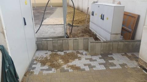 Debreceni Református Hittudományi Egyetem, Internátus belső udvari burkolatépítés, csapadékvíz elvezetés.