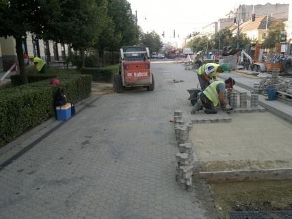 Debrecen - 2-es villamos építéséhez kapcsolódó burkolat helyreállítási munkálatok