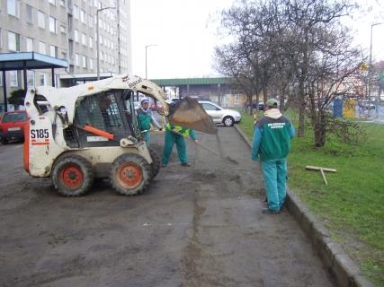Debrecen- ut es parkolo helyreállítas csatornazas utan